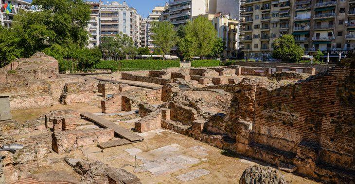 Ανάκτορο που αποκαλύφθηκε στην ανασκαφή της δεκαετία του 1960 και τοποθετείται στην περιοχή της σημερινής πλατείας Ναυαρίνου.