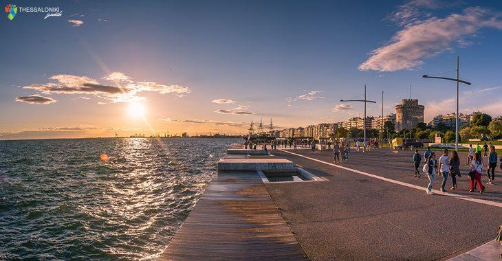 Καλοκαιρινές βόλτες στη νέα παραλία Θεσσαλονίκης