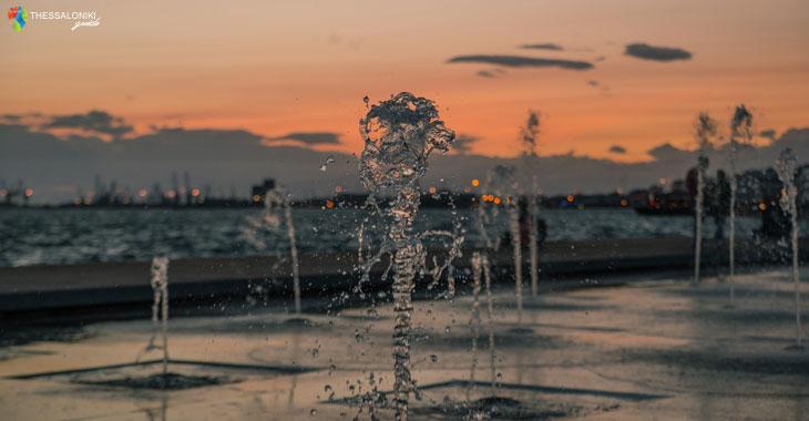 Πίδακες νερού στις Ομπρέλες της Θεσσαλονίκης