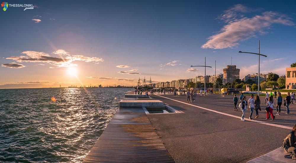 Καλοκαιρινή φωτογραφία της Νέας Παραλίας Θεσσαλονίκης