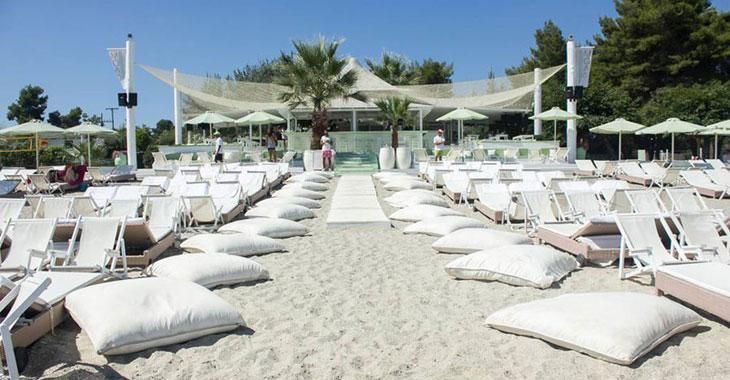Μόλος beach bar στη Χαλκιδική
