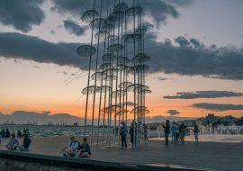 Ομπρέλες του Ζογγολόπουλου στη Νεα Παραλία Θεσσαλονίκη