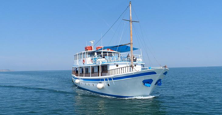 Δρομολόγια με το καραβάκι από Θεσσαλονίκη για Περαία και Ν. Επιβάτες 2016
