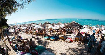 Γλαρόκαβος beach bar Χαλκιδική