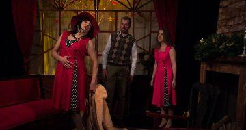 Τα Κόκκινα Χριστούγεννα της Κάρλα Δεμβριέντες στο Θεατρο Ταξιδι Ονειρου