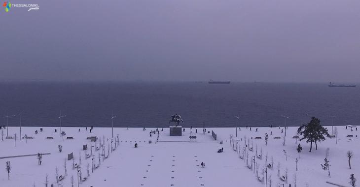 Νέα Παραλία Θεσσαλονίκης με χιόνια από ψηλά (2017)