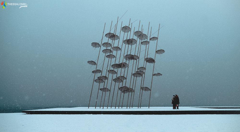 Χιονισμένη Θεσσαλονίκη - Ομπρέλες Νέα Παραλία
