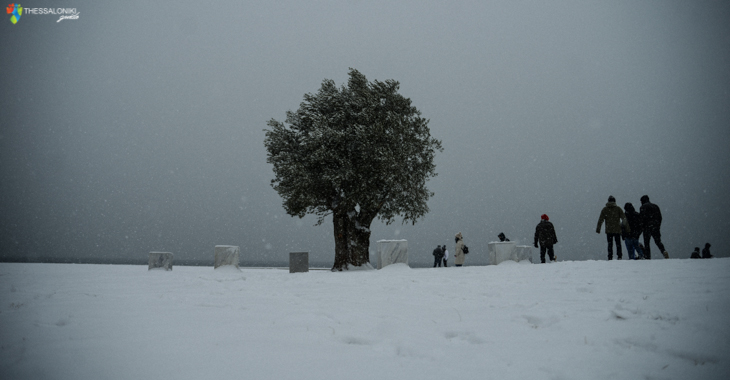 Χιόνια στη Νέα Παραλία Θεσσαλονίκης