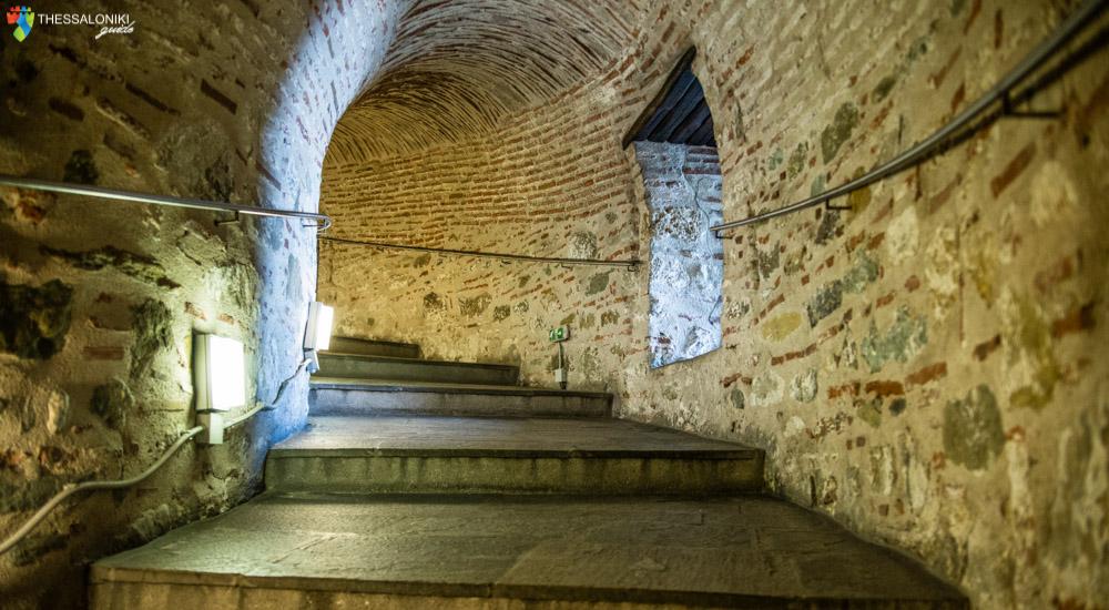 Εσωτερικά σκαλοπάτια του Λευκού Πύργου