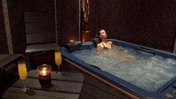 Προσφορά: 39,90€ για Πακέτο 2 Ατόμων, με Full Body Χαλαρωτικό Massage & Τζακούζι στη Θεσσαλονίκη