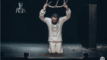 «Ριχάρδος Β' – Το Ρέκβιεμ ενός Βασιλιά» με τον Τάσο Νούσια στο Θέατρο Αθήναιον