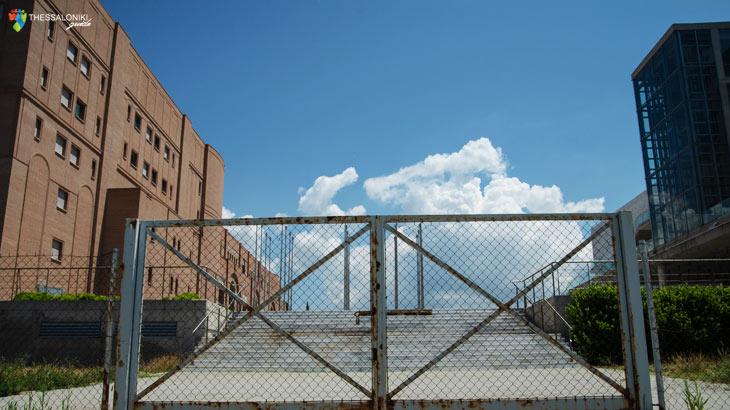 Ο Φράχτης του Μεγάρου καταργεί τα όρια ανάμεσα στο μέσα και το έξω!