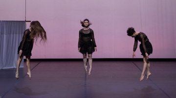 «Το Άλλο Μισό του Ουρανού» χορεύει στο Μικρό θέατρο Μονής Λαζαριστών